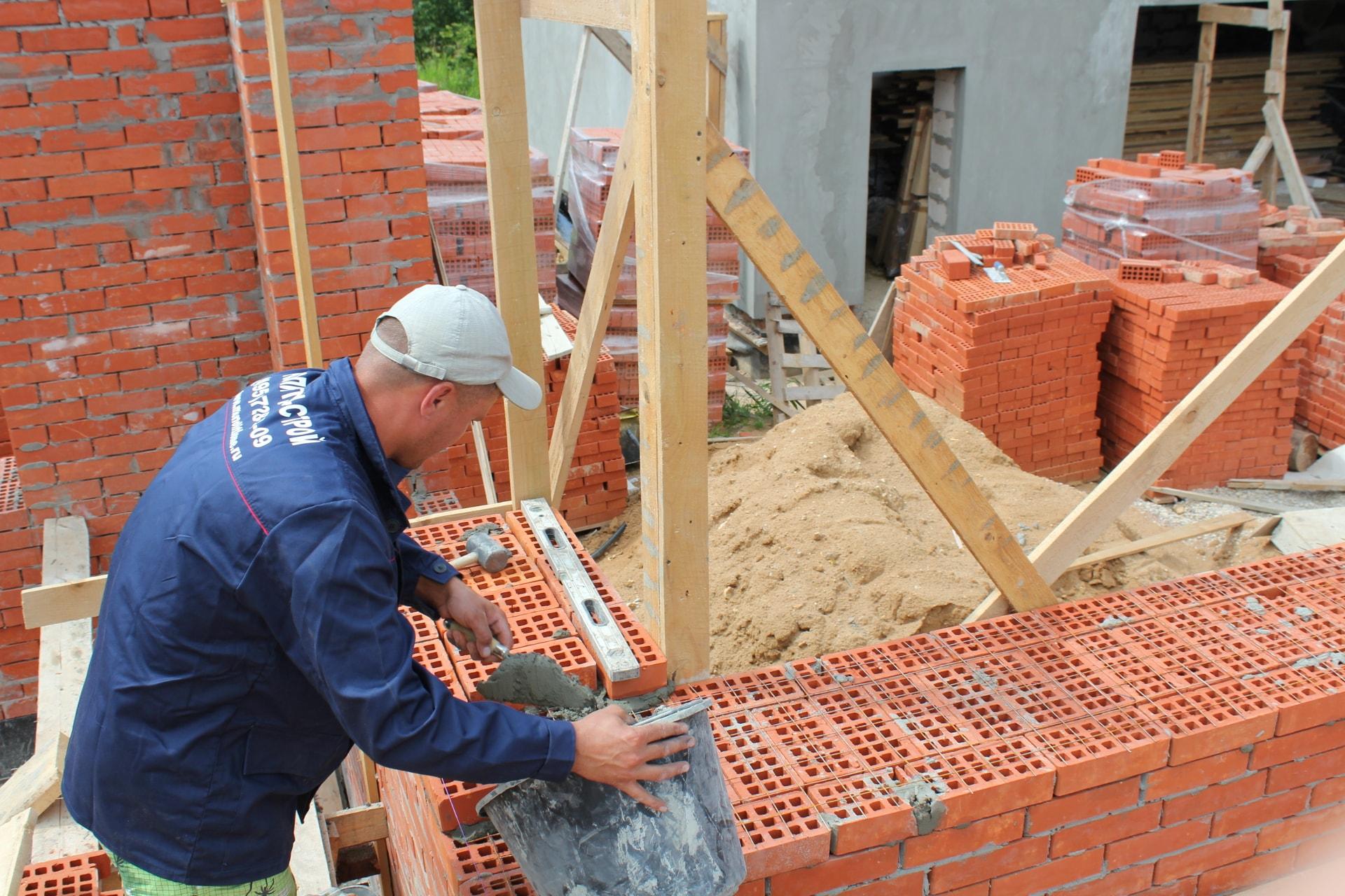 Построить дом своими руками кирпича